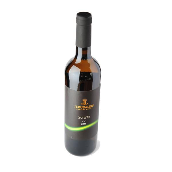 יין ריזלינג לבן חצי יבש כרם ניב